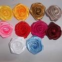 Szaténrózsa, Dekorációs kellékek, Vegyes alapanyag, Virágkötészet, Szövés, 5-6cm átmérőjű különböző színű szaénszalagból hajtogatott ,ragasztott rózsa , A kívánt színből ,a k..., Alkotók boltja