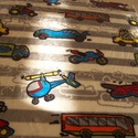 Járműves babysoft, Textil, Bársony, Varrás, Textil, Gyönyörű szürke alapon színes járműves pihe puha anyag.   Mérete: 100 x 75 cm, Alkotók boltja