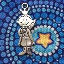 Medál, charm -  A kis herceg  - nagy méret, Gyöngy, ékszerkellék, Ékszerkészítés, Kis herceg mintás medál, ezüst színben. (Nikkel mentes).   Mérete: 4,5 cm  A képen is látható a mér..., Alkotók boltja