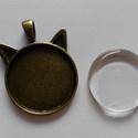 Medál alap + üveglencse (25mm), Gyöngy, ékszerkellék, Cabochon, A csomag tartalma:  1 db sárgaréz színű fém alap 1 db hozzá illő 25mm-es üveglencse, Alkotók boltja