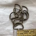 Antik bronz félkarika 2 cm, Csat, karika, zár, Varrás, Mindenmás, Antik bronz  színű fém félkarika 2 cm széles hevederhez. Mennyiségi kedvezmény! Ha egyben elviszed,..., Alkotók boltja