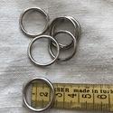 Ezüst színű fém karika 20 mm, Csat, karika, zár, Varrás, Mindenmás, Ezüst színű fém karika 20 mm átmérőjű. Mennyiségi kedvezmény! 50 db felett - 10% Az összes - 20%  , Alkotók boltja
